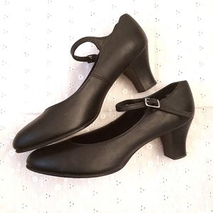 Retro Style Black Leather Shoes